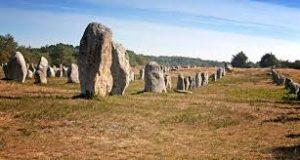 carnac-menhirs